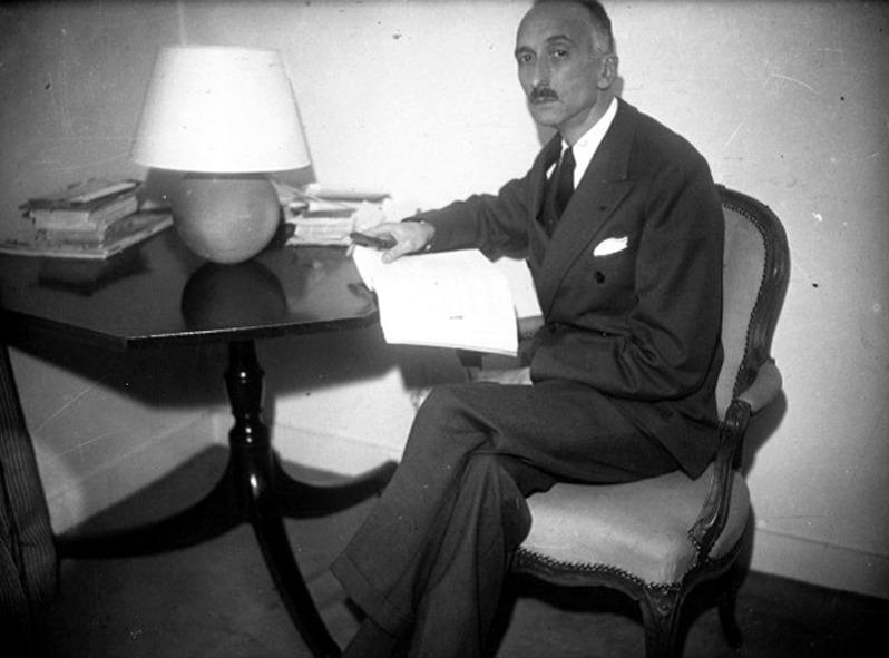 François Mauriac préparant son discours pour sa réception à l'Académie : [photographie de presse] / Agence Meurisse.